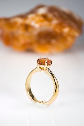 -Anello in Oro Rosso 750- con Zaffiro arancione naturale chiamato Padparaska taglio brillante