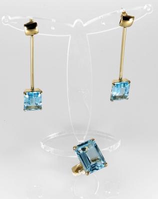 -Orecchini e anello in Oro Giallo 750- con topazio azzurro naturale taglio ottagonale