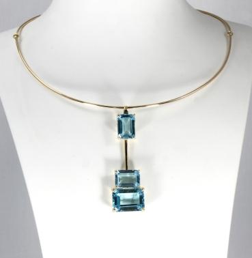 -Collana e pendente in Oro gialllo 750- con topazio azzurro naturale taglio ottagonale