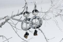 -Orecchini in Argento 800- martellati/bruniti con pendenti in legno di ebano nero e olivastro