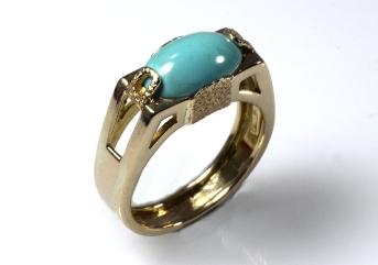 -Anello in Oro Giallo 750- con turchese naturale ovale cabochon